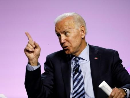 Débat démocrate: le favori Biden face à l'étoile montante Warren pour la première fois