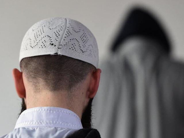 Maroc : des imams suspendus pour propagande politique