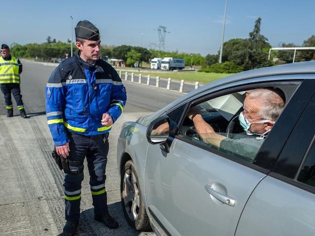 Attestation d'employeur, limite des 100 km : la loi d'état d'urgence sanitaire n'a pas été promulguée à temps