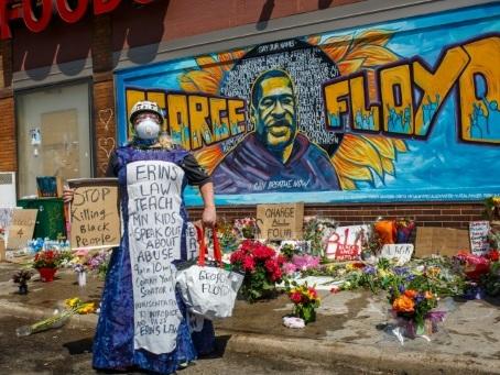 Minneapolis: quand les lieux du crime se muent en agora
