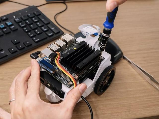 Le NVIDIA Jetson Nano est un petit ordinateur dédié à l'IA à partir de 99 dollars