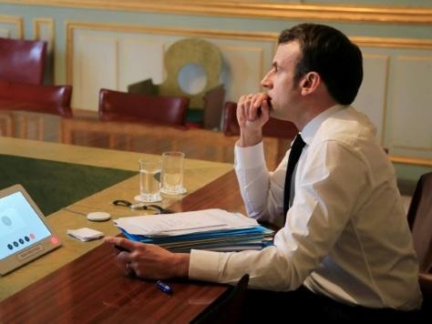 Quand Macron imagina un report des municipales...