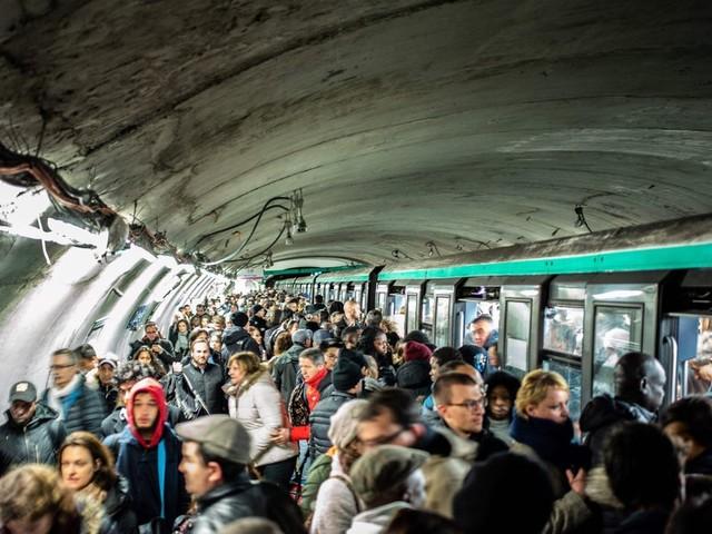 Grève à la RATP: Le métro parisien à l'arrêt dimanche sauf les lignes 1 et 14