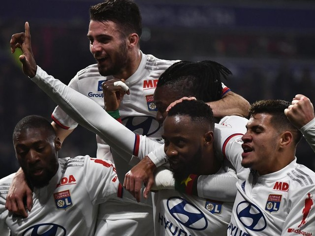 Football: la reprise de la Ligue 1 réclamée par six sénateurs