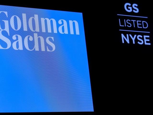 Le bénéfice de Goldman Sachs baisse plus que prévu au 3e trimestre