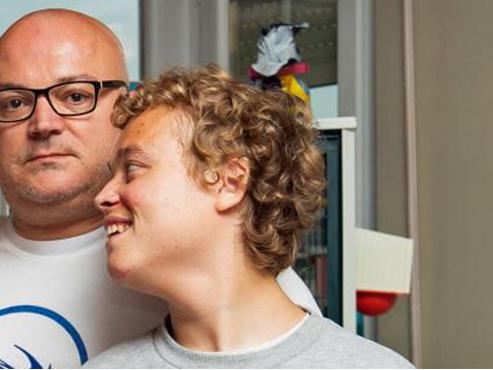 """""""Je suis scandalisé"""": le fils autiste de Stéphane refusé dans un centre à Sprimont car il est belge?"""