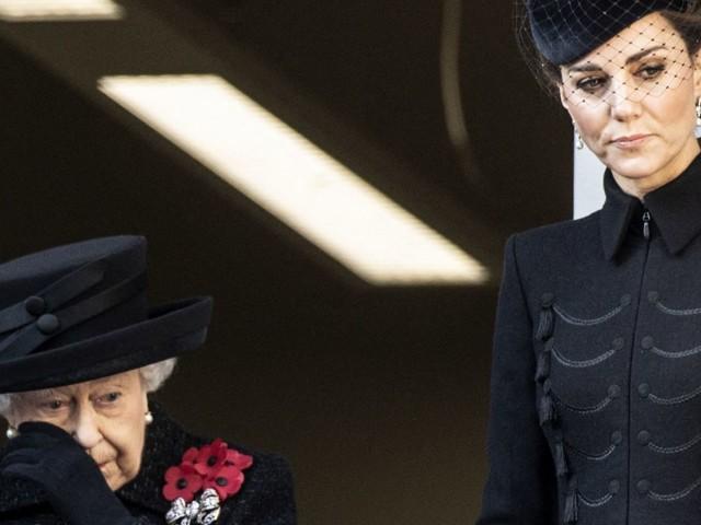 Photos: toutes les fois où Élisabeth II a pleuré en public