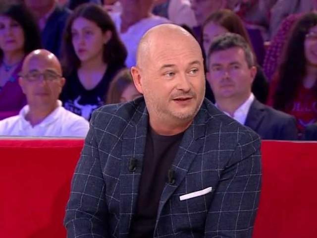 Sébastien Cauet évoque avec pudeur le décès de ses parents