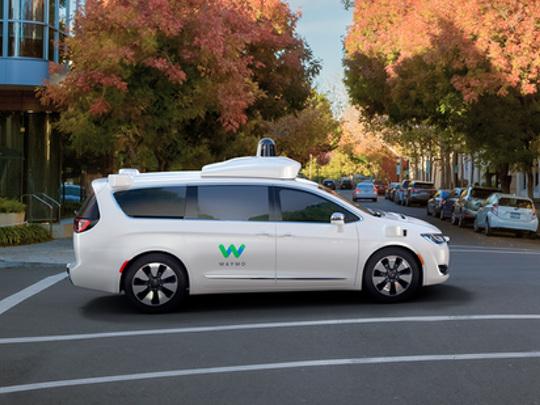 Voitures autonomes: face à Uber, Waymo lance sa flotte sur de nouvelles routes américaines