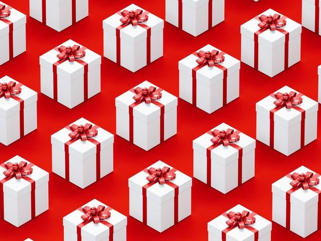 Huit cadeaux anticapitalistes à offrir pour faire un Noël (vraiment) tout rouge