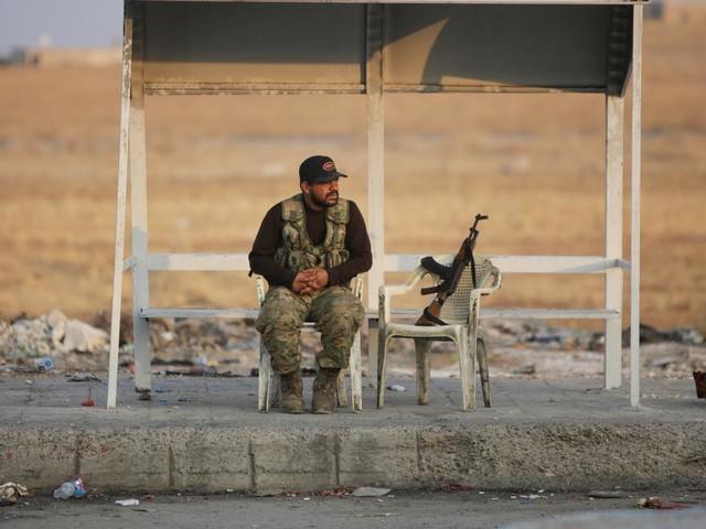 EN DIRECT - Offensive en Syrie : les combattants kurdes se retirent de la ville frontalière assiégée de Ras al-Aïn