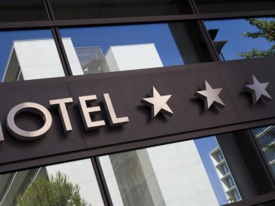 Taxes sur les titres de séjour : les députés renvoient à un groupe de travail