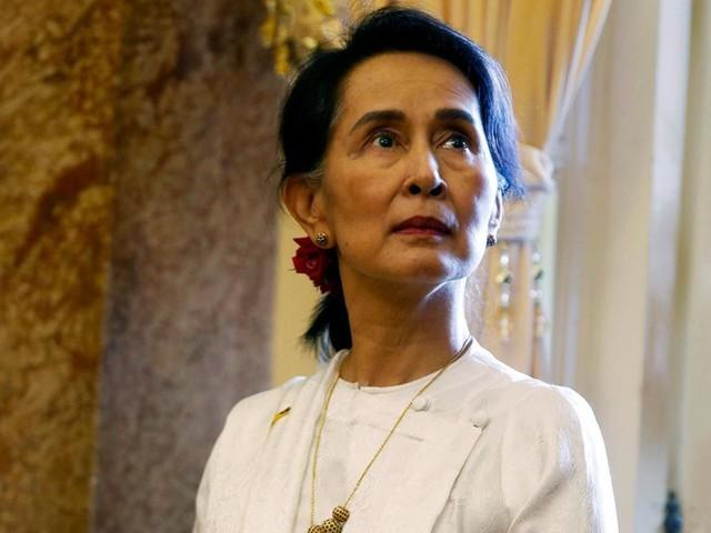 Birmanie : sept ans de prison pour avoir critiqué Aung San Suu Kyi sur Facebook