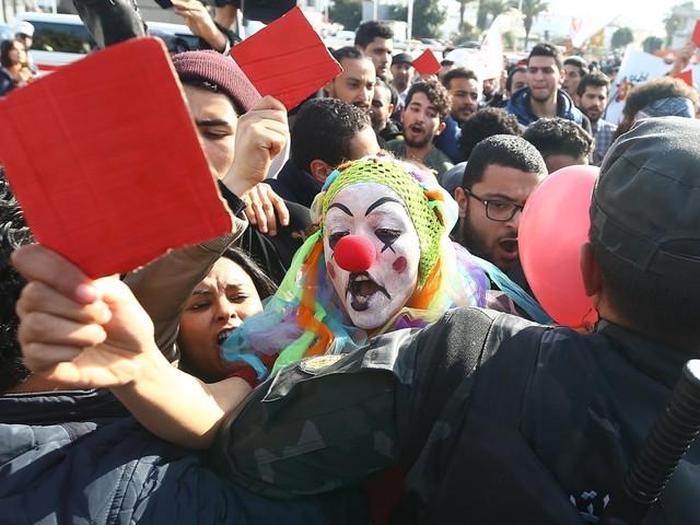 Liberté de circulation, droits des LGBT, torture... Le rapport sévère de Amnesty international sur la Tunisie