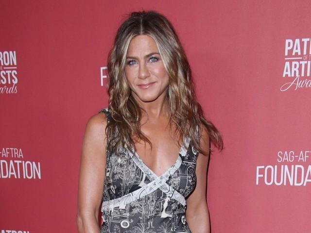 """Jennifer Aniston se dit """"ouverte"""" à l'amour après son divorce"""