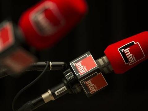 Audiences radio: France Inter reste devant RTL, Europe 1 dégringole