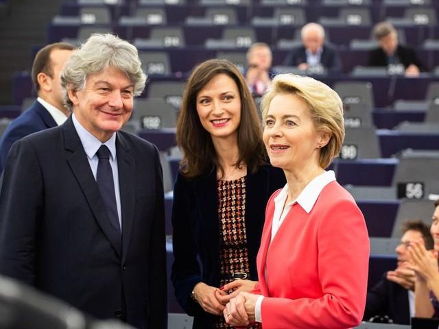 La Commission européenne enfin investie avec un mois de retard