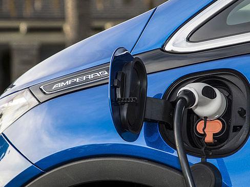 Un Belge sur trois prêt à acheter une voiture électrique
