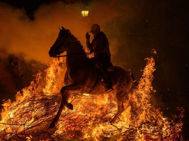 En Espagne, les âmes des chevaux purifiées par le feu