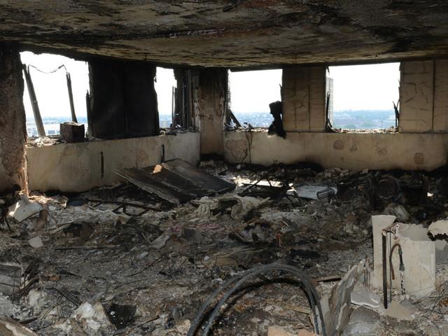 Incendie de la tour Grenfell: au moins 79 morts (VIDÉO)