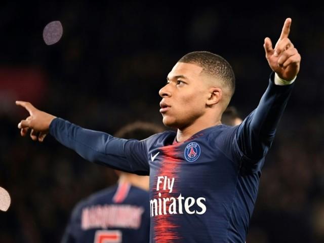 Ligue 1: le PSG domine l'OM 3-1 grâce à Mbappé et Di Maria