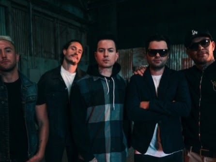Hollywood Undead : Your Life (clip officiel)