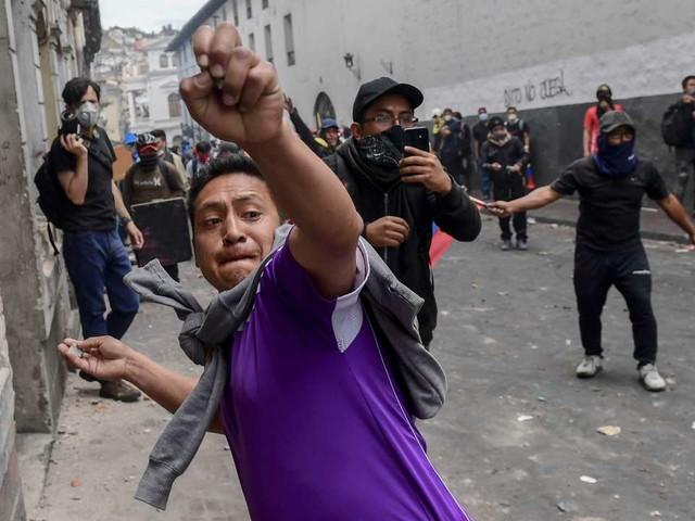 Equateur: des milliers de manifestants affluent vers Quito, quadrillé par la police