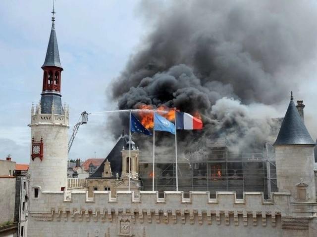 Incendie de l'hôtel de ville de La Rochelle : que faisiez-vous le 28 juin 2013 ?