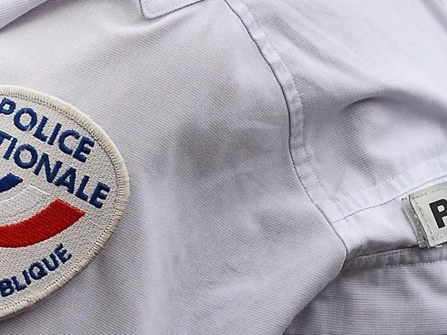 Un homme entre dans un commissariat et agresse une femme à l'arme blanche à La Réunion: une enquête pour «apologie du terrorisme» ouverte