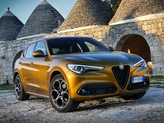 Le SUV sportif Alfa Romeo Stelvio bénéficie d'améliorations technologiques
