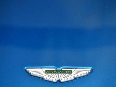 """""""Mourir peut attendre"""": un milliardaire de la F1 au secours d'Aston Martin"""