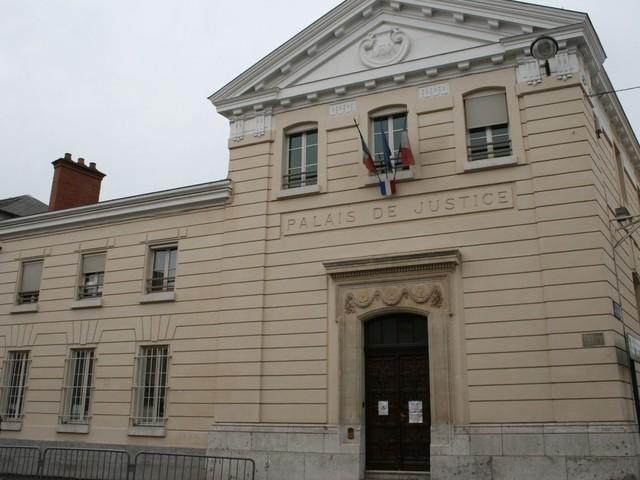 Seine-et-Marne. Vols sous la menace d'une arme à Montereau-Fault-Yonne : un jeune majeur condamné