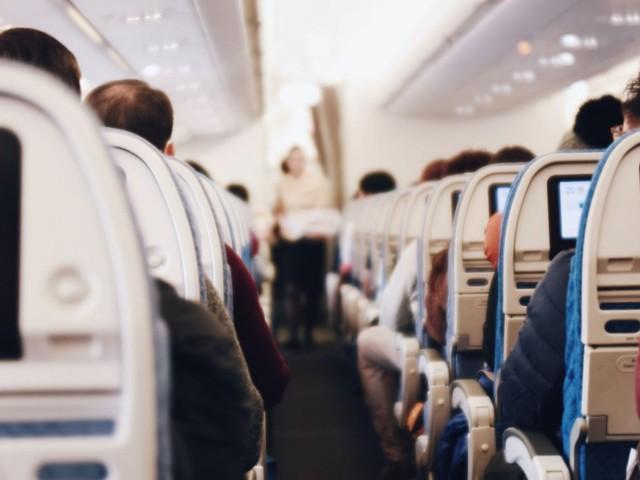 """""""Les frontières doivent être réouvertes sans quarantaine"""": l'Iata prévoit une chute de 60% du chiffre d'affaires du transport aérien"""