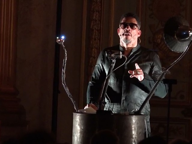 """Joey Starr a mis la fièvre à l'Assemblée nationale avec son """"Eloquence"""""""