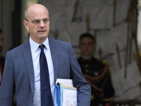 Plus de fermetures d'écoles sans accord du maire : les élus ruraux pas rassurés par les annonces de Macron et Blanquer