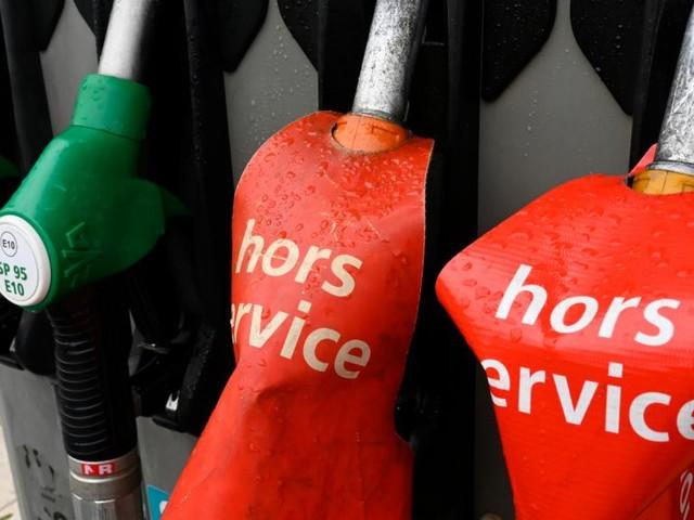 La pénurie d'essence s'étend dans l'Ouest de la France suite aux blocages