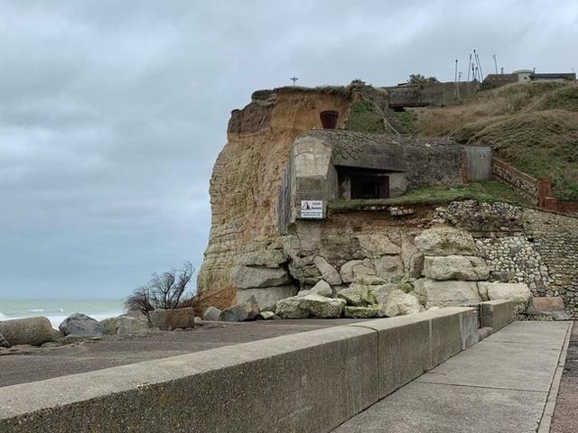 Tempête Dennis : une falaise s'effondre à Fécamp