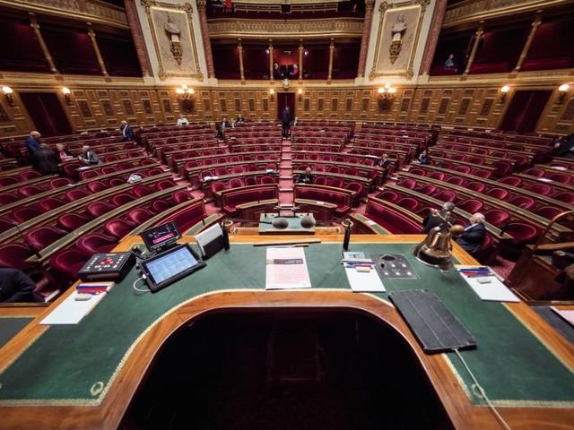 """Vu de l'étranger. Au Sénat, """"Macron paie la facture de ses premiers mois"""""""