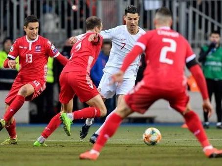 Le Portugal se qualifie au Luxembourg et envoie la Serbie en barrages