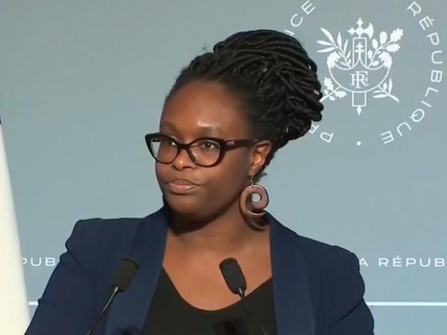 """Sibeth Ndiaye s'excuse après un raccourci sur """"un enseignant qui ne travaille pas"""""""