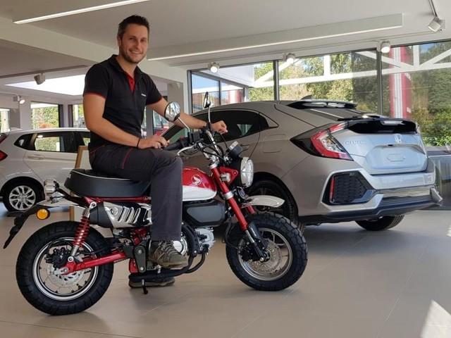 Une moto gratuite à l'achat d'une voiture dans un garage de Huy