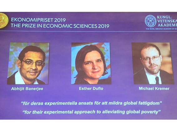 Le prix Nobel d'économie attribué à Esther Duflo, Abhijit Banerjee et Michael Kremer