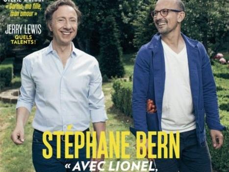 Pour Paris Match, Stéphane Bern pose avec son compagnon Lionel.