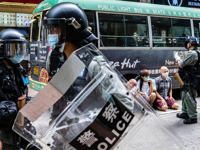 À Hong Kong, des livres scolaires retirés à cause de la loi sur la sécurité