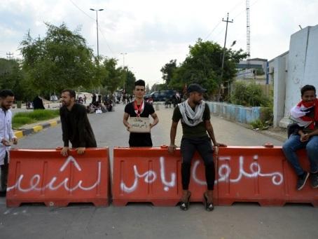 Irak: 3 morts devant le consulat iranien à Kerbala, la désobéissance civile s'accentue