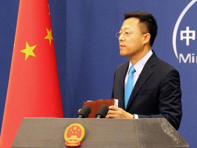 """Le coronavirus a pu être """"apporté"""" à Wuhan par l'armée américaine, selon cet officiel chinois"""