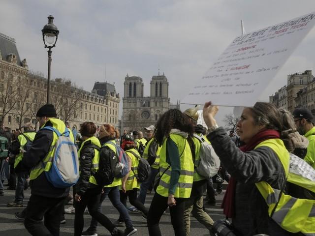 """Pour Notre-Dame ou contre un apaisement, ce que prévoient les gilets jaunes pour leur """"acte 23"""""""