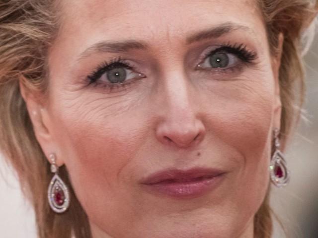 "Gillian Anderson sera bien Margaret Thatcher dans ""The Crown"""
