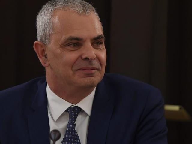 Le maire de Tours Christophe Bouchet demande une protection juridique de la ville suite à des injures et des menaces