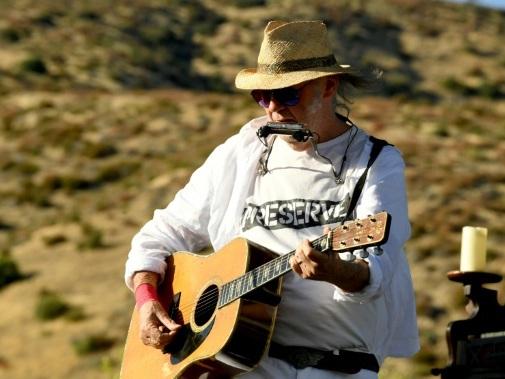 """Avec """"Colorado"""", Neil Young signe un manifeste pour l'environnement"""